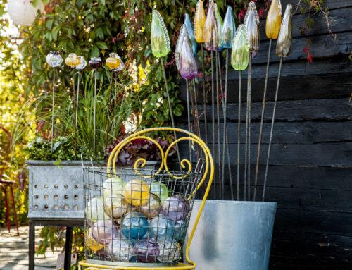 In the glass garden you will find my own garden art.
